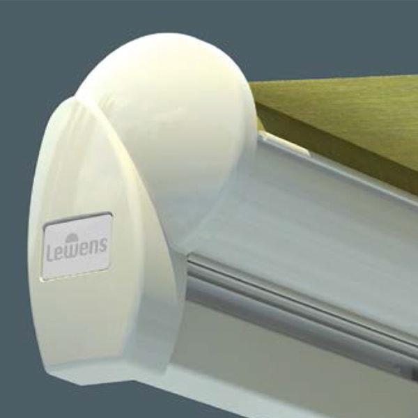 В базовой модели серии Family Design тканевый ролик навеса не защищен или «открыт».